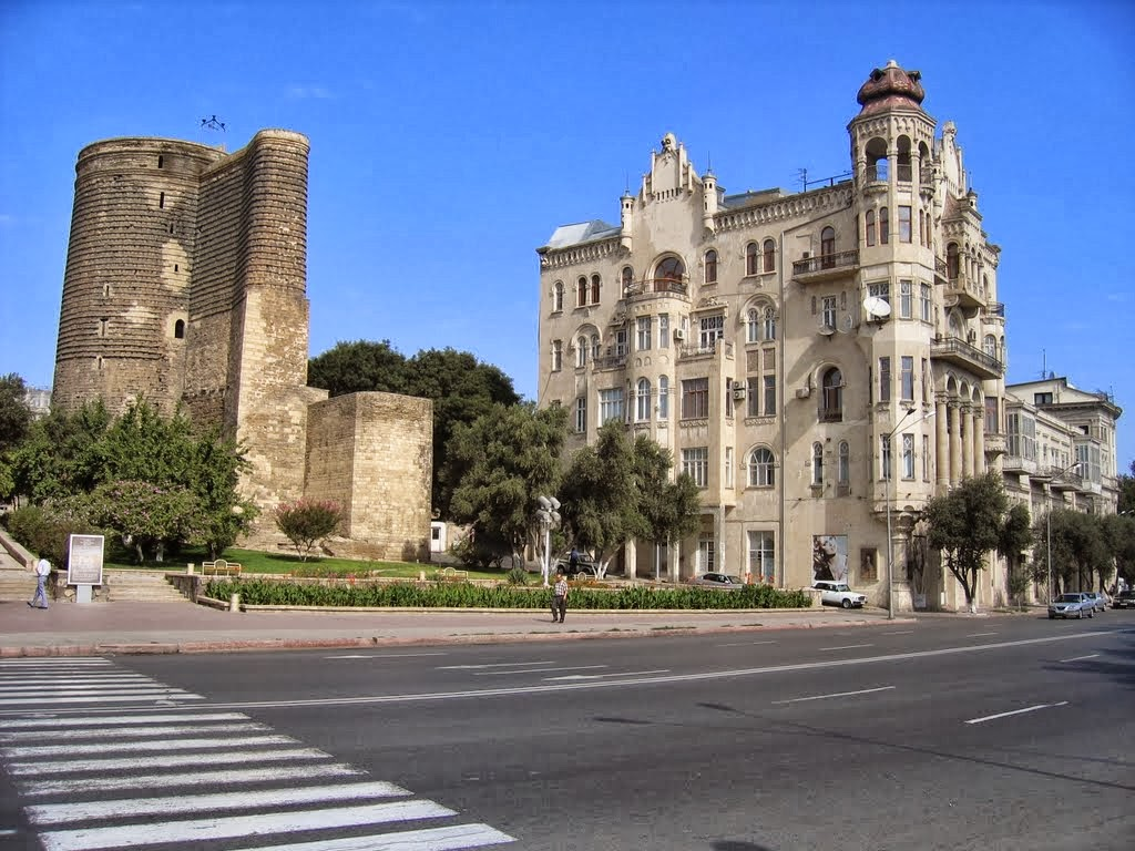 Maiden Tower, Baku - Azerbaijan 07.jpg